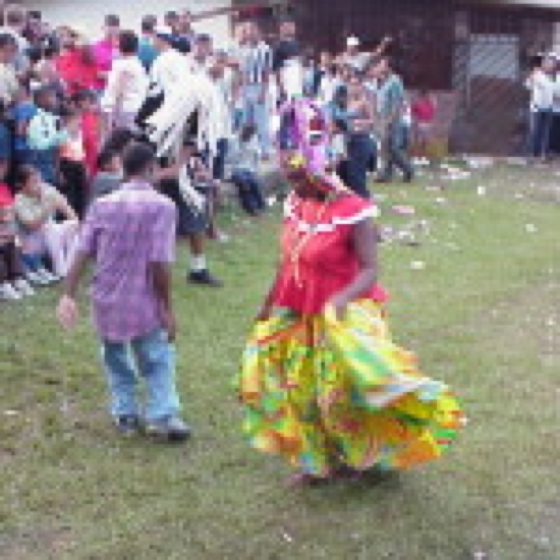 queen dancing with congo